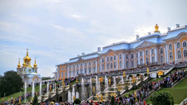 Fountains at Peterhof in St. Petersburg