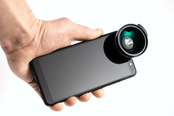 Smartphone and lens