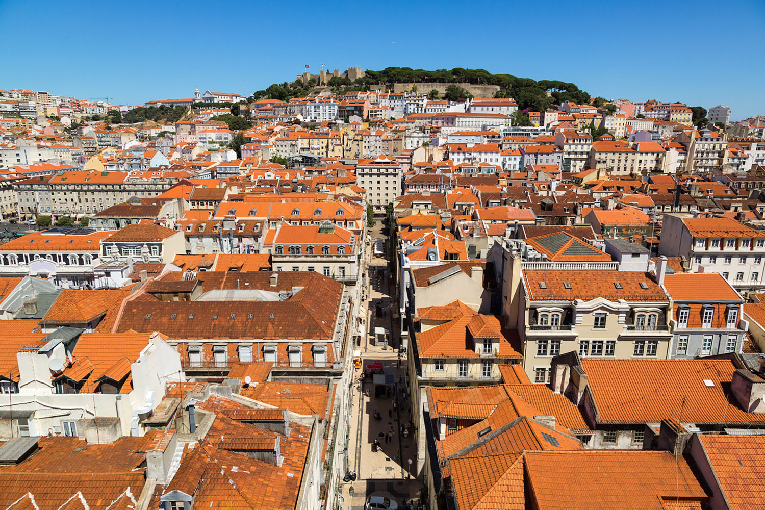 The most famous landmark in this area, Castelo de São Jorge, can be seen from almost anywhere in the city.